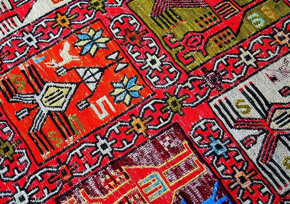 Tappeti Persiani: una Tradizione Millenaria di Colori